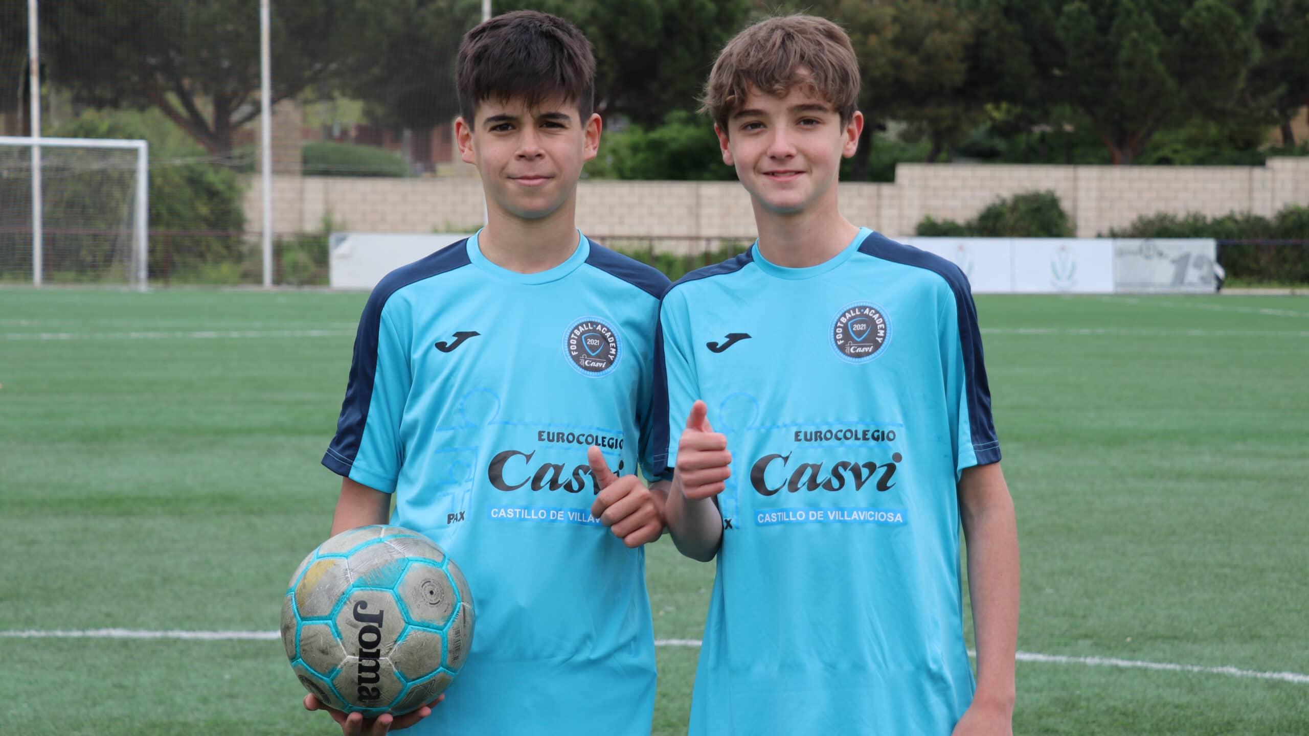 Frontal alumnos de la Escuela Profesional de Fútbol Casvi Football Academy