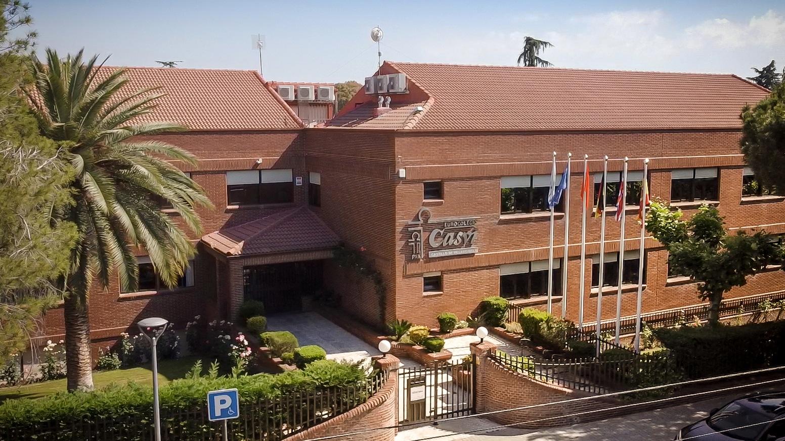 Edificio principal del Colegio Privado Internacional Eurocolegio Casvi