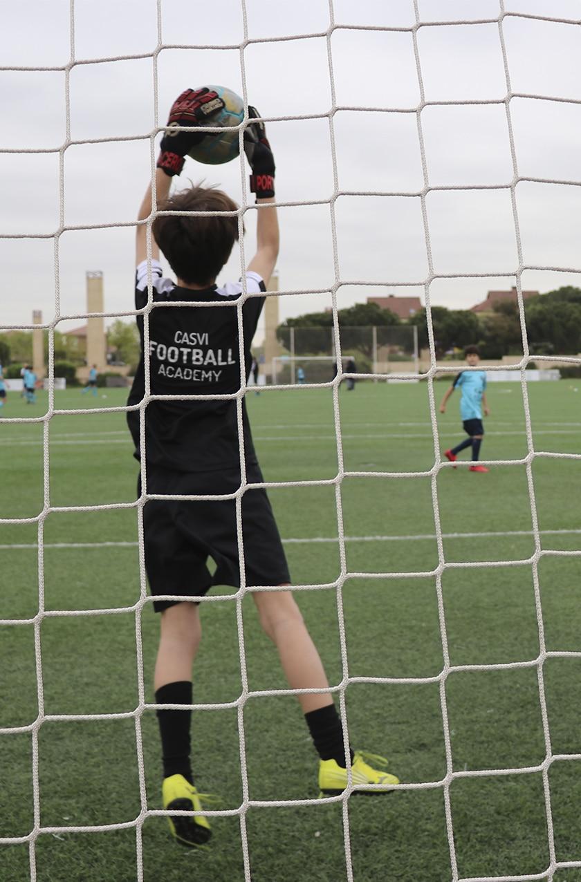 Alumnos de Casvi Football Academy participando en un entrenamiento de esta Escuela de Fútbol de Alto Rendimiento